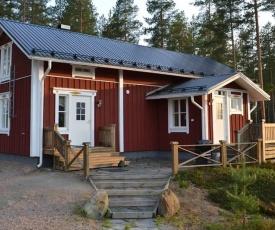 Ahmalammen mökkikylä